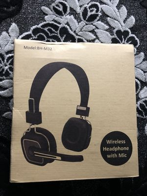 Wireless Bluetooth headphone with noise cancellation mic for Sale in Columbus, OH