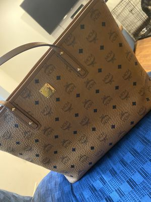 AUTHENTIC MCM LARGE TOTE PURSE for Sale in Rockville, MD
