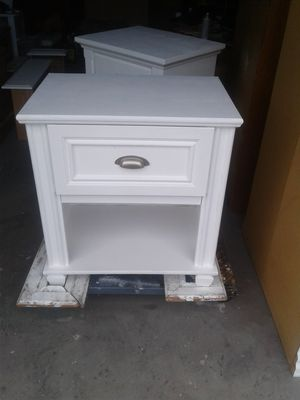 White one drawer night stand for Sale in South Jordan, UT