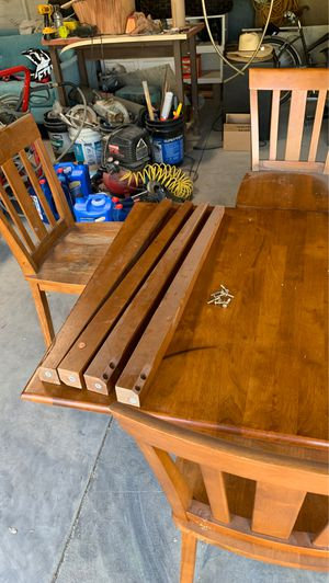 Small kitchen table for Sale in Riverside, CA