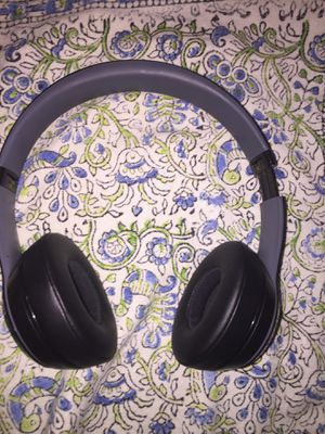 Beats Solo 2 Wireless Headphones for Sale in Germantown, MD