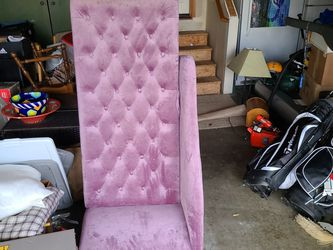 Small Couch for Sale in Bonney Lake,  WA