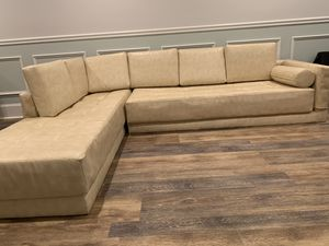 White Leather Couch for Sale in Bridgewater Township, NJ