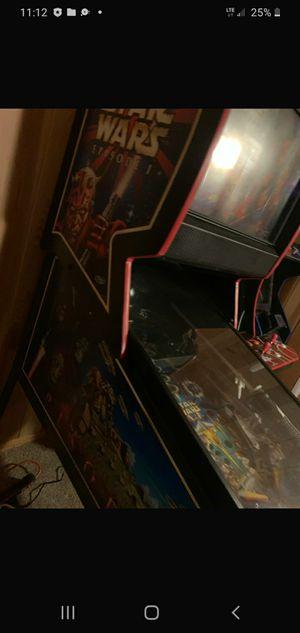 Pinball machine Starwars for Sale in Madera, CA