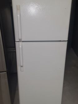 Small refrigerator Kenmore Good Condition 2 Months warranty for Sale in San Lorenzo,  CA