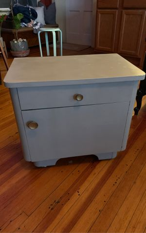 Gray nightstand w/storage and drawer for Sale in Wichita, KS