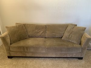 Medium brown couch for Sale in Arvada, CO