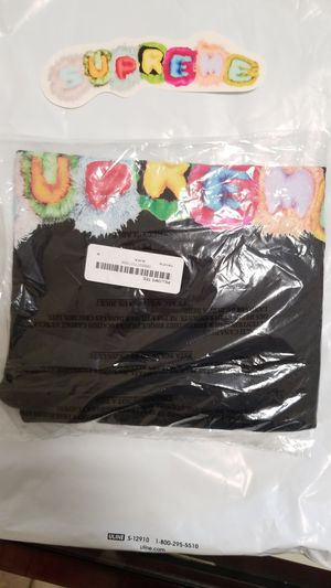 Brand New Supreme Pillows tee Size M for Sale in Miami, FL