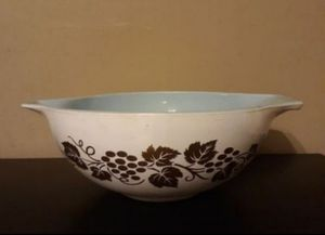 Large Promotional Pyrex Cinderella Bowl for Sale in Tampa, FL