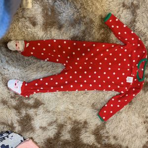Christmas Babygirl Outfits, BRAND NEW NEVER WORN. Literally; My Daughter Never Got To Wear Any Of These Items, Outgrew Them Before Christmas :( for Sale in Cleveland, OH