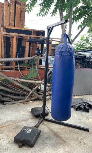 Punching bag, stand and speed bag. for Sale in Los Angeles, CA