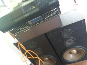 Equalizer, Amplifier, 5 disc changer CD Player with 2 speakers for Sale in Winter Haven, FL
