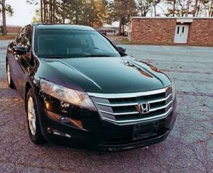 LEATHER , NAVIGATION , PUSH TO START .2O1O Honda Crosstour for Sale in Macon, GA
