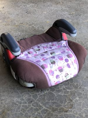 Extra booster seat (Graco) for Sale in Willowbrook, IL