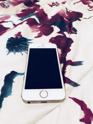 32 GB iPhone 5 for Sale in Portland, OR