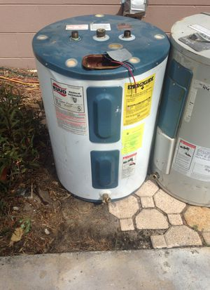 Ruud hot water heater for Sale in Delray Beach, FL