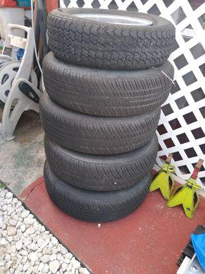 4 gomas nuevas P215-75-R15 for Sale in Hialeah, FL