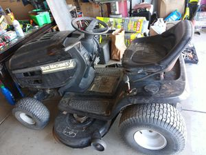 Riding lawn mower for Sale in Hesperia, CA