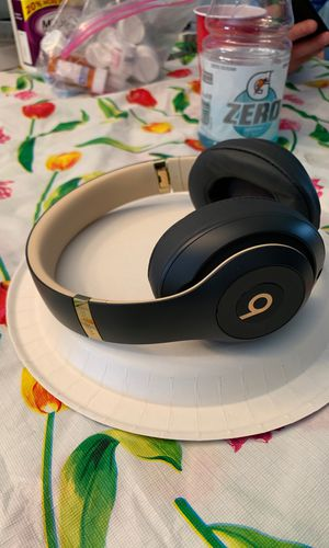 Beats headphones for Sale in Old Bridge Township, NJ