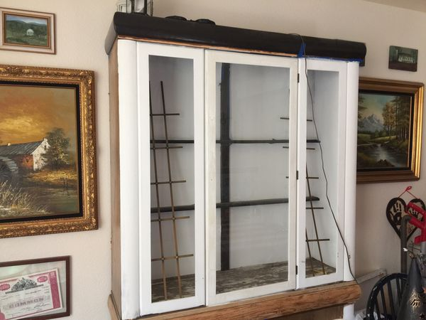 FREE PROJECT CHINA DISPLAY CABINET