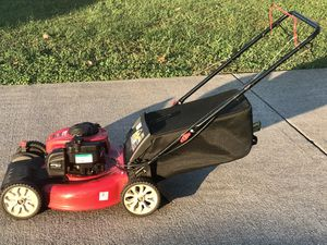 """Troy Bilt TB110 550EX Self propelled Lawnmower with Bag 21"""" cut In excellent condition for Sale in Murfreesboro, TN"""