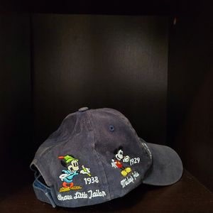 Mickey Mouse evolution Disney original hat for Sale in Miami, FL