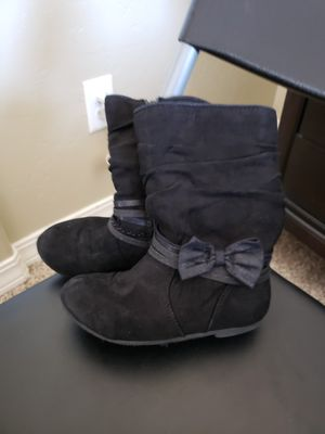 Toddler girls size 9 black boots for Sale in El Paso, TX