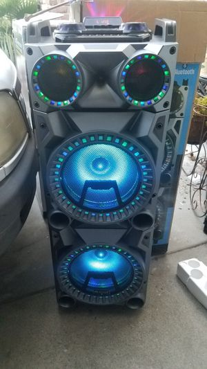 IQ sound 2x12 in rechargeable speaker for Sale in Norwalk, CA