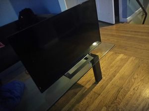Sony TV 32 inch I buy a bigger that's why i m selling it for Sale in San Francisco, CA