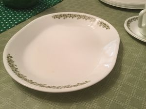 CorningWare Corelle Dinnerware set pattern is Crazy Daisy for Sale in Miami, FL
