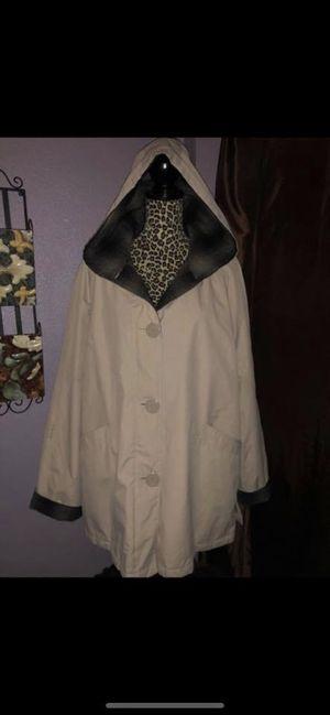 Women's coat for Sale in Irwindale, CA
