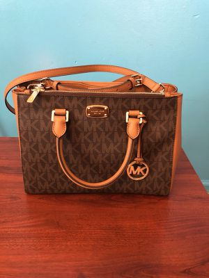 Michael Kors handbag for Sale in Dearborn, MI