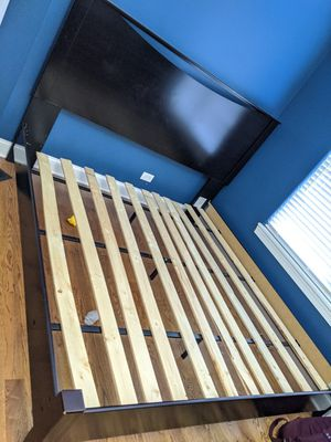 King size bed frame for Sale in Downers Grove, IL