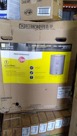 ELECTRIC WATER HEATER! for Sale in Jan Phyl Village, FL