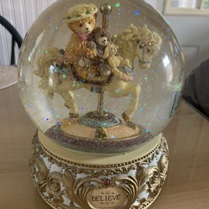 Bainbridge Bear Snow Globe for Sale in Trenton, NJ