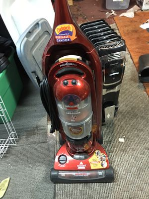 Bissell bagless vacuum with lift off for Sale in Sunnyvale, CA