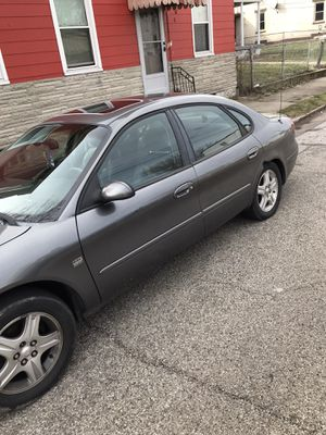 Ford Taurus 2002 sel for Sale in Cincinnati, OH