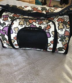 PET CARRIER for Sale in Elk Grove Village,  IL