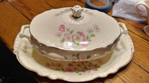 Vintage Virginia Rose Casserole Dish and Platter. for Sale in Cairo, GA