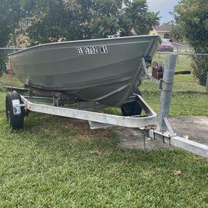 14.6' Ft Sportsman Crestliner Aluminum Boat for Sale in Homestead, FL
