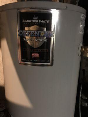 40 gallon hot water heater for Sale in Hamilton Township, NJ