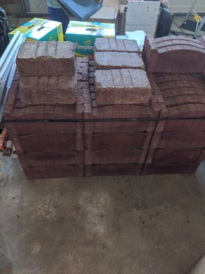 100 red pavers in a bundle for Sale in Indianapolis, IN