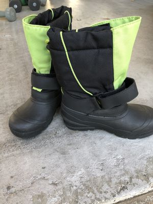 Kids snow boots for Sale in Laguna Niguel, CA