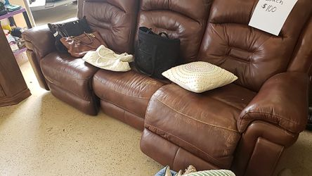Reclining Leather Sofa for Sale in Jeannette,  PA