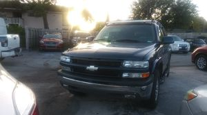 Mint condition 2006 Z71 Chevy Tahoe loaded DVD system leather roof racks LED lights tow package only about 88k miles clean title for Sale in Pembroke Pines, FL