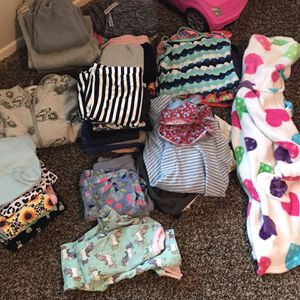 Girls 6-7 Clothes Bundle for Sale in Bakersfield, CA