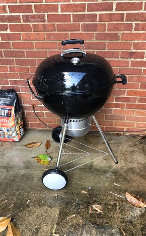 Weber Charcoal Grill for Sale in Alexandria, VA