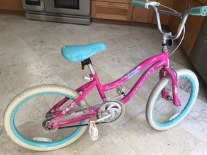 Girls bike 20 inches. Good condition. for Sale in Miami Beach, FL