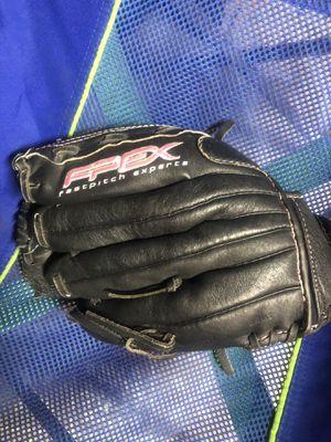 Girls softball glove for Sale in Roseville, CA