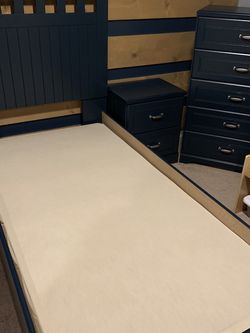 Ashley Trundle Twin Bed Set with Dresser and Night Stand for Sale in Arlington,  WA